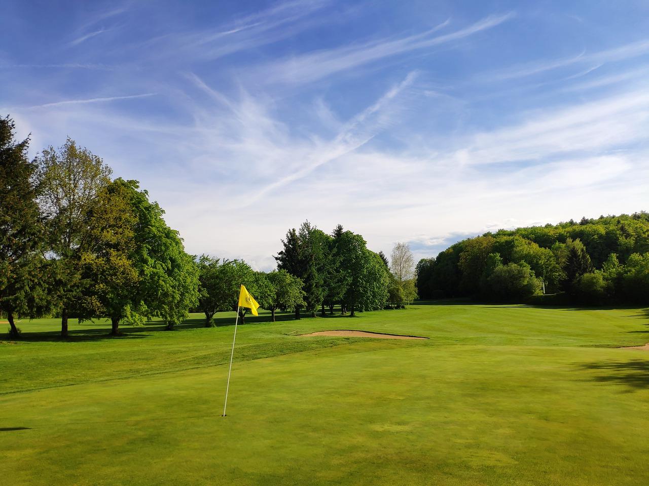 Golf Golf Course Green Grass Sport  - Klappe / Pixabay